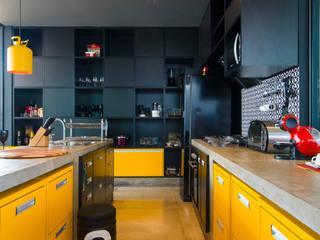 Cocinas de estilo  por Bruno Rubiano