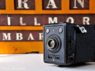 Alte Kodak Box als Deko-Gegenstand: industriale Arbeitszimmer von miss-red-fox.de