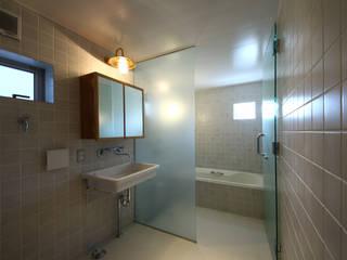洗面所&風呂: TABが手掛けた浴室です。