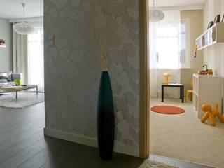 ทางเดินสไตล์สแกนดิเนเวียห้องโถงและบันได โดย formativ. indywidualne projekty wnętrz สแกนดิเนเวียน