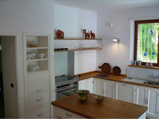 Interni: Cucina in stile  di Studio LCA