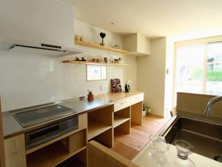 下岩成の家: 有限会社 コアハウスが手掛けたキッチンです。