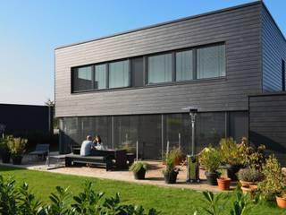 Modern Houses by BUCHER | HÜTTINGER - ARCHITEKTUR INNEN ARCHITEKTUR Modern