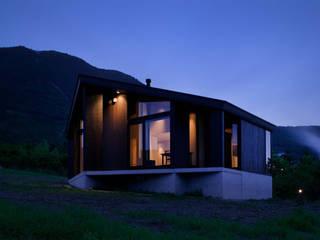 W-HOUSE ミニマルな 家 の 内田貴久建築設計事務所 ミニマル