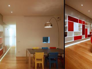 Casa PK Sala da pranzo minimalista di Next Urban Solutions Minimalista
