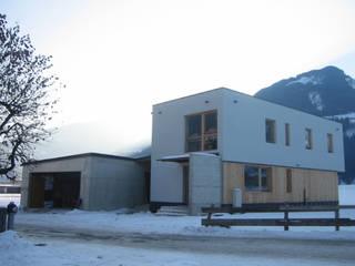 Haus G Moderne Häuser von Architekturbüro Gasteiger Modern