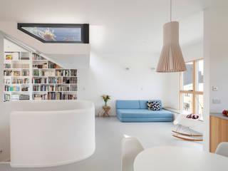 ห้องนั่งเล่น โดย Scenario Architecture, โมเดิร์น