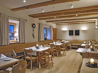 Gasthaus Nester Klassische Gastronomie von Architekturbüro Gasteiger Klassisch