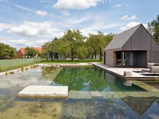 Badehaus:  Terrasse von Markus Gentner Architekten