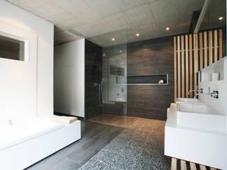 Markus Gentner Architekten モダンスタイルの お風呂