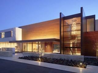 Maison moderne en ossature bois: Maisons de style de style Moderne par Belles demeures en bois
