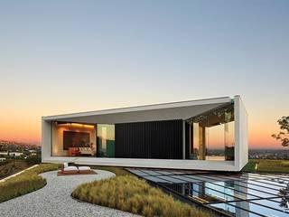 Villa di Michael Bay a Los Angeles - master suite di Pietre di Rapolano Moderno