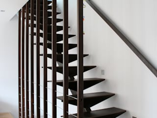 Corridor & hallway by Atelier d'architecture Pilon & Georges, Modern