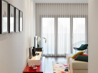Living room by Tiago Patricio Rodrigues, Arquitectura e Interiores
