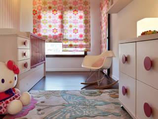 Apartamento Expo_Design Interiores: Quartos de criança  por Tiago Patricio Rodrigues, Arquitectura e Interiores