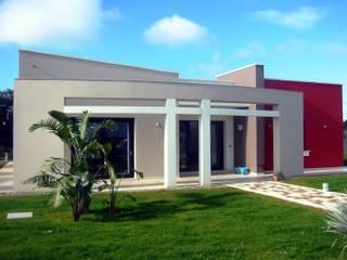 residenze in campagna: Case in stile  di Studiotundo