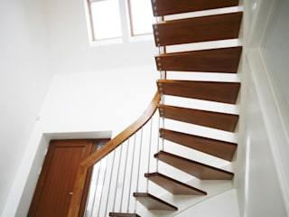 Floating Staircase Ringwood por Complete Stair Systems Ltd Minimalista