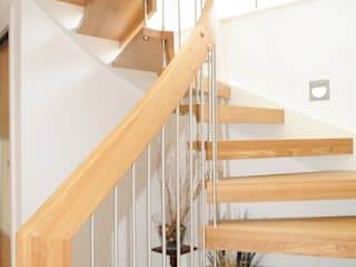 Floating Staircase Southampton por Complete Stair Systems Ltd Moderno