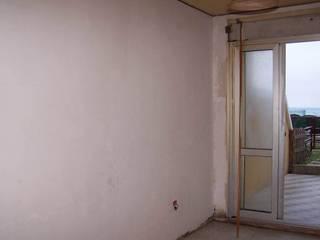 Zona living prima dei lavori: Sala da pranzo in stile in stile Moderno di Ambienti in scena