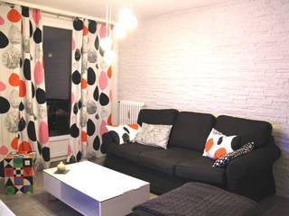 Rénovation d'un T2 pour petits budgets Salon moderne par Atelier OCTA Moderne