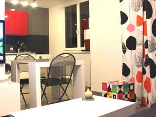 Rénovation d'un T2 pour petits budgets Cuisine moderne par Atelier OCTA Moderne