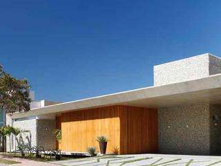 Residência R&CH Casas minimalistas por Skylab Arquitetos Minimalista