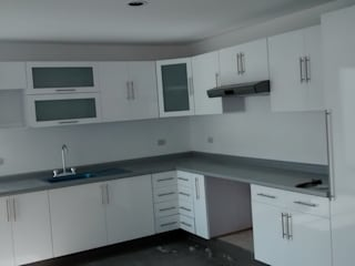 Carpinteria residencial Cocinas modernas de seventh studio intrior Moderno