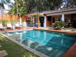 Piletas de estilo moderno por MeyerCortez arquitetura & design