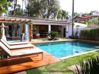 Piscinas de estilo moderno de MeyerCortez arquitetura & design Moderno