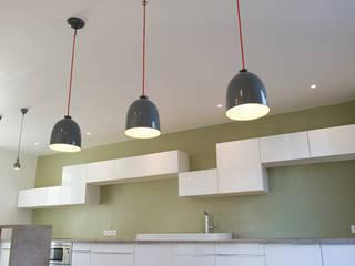 Cozinha  por Yeme + Saunier