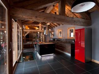 Chalet de Claude: cuisine Cuisine rurale par shep&kyles design Rural