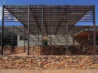 Casas de estilo moderno de COSTAVERAS ARQUITETOS Moderno