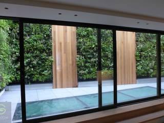 Living wall:  Garden by green zone design ltd