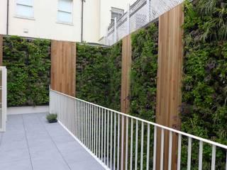 Notting Hill Living Wall Modern garden by green zone design ltd Modern