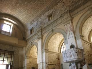 la volta della navata:  in stile  di architetto marcello carzedda studio