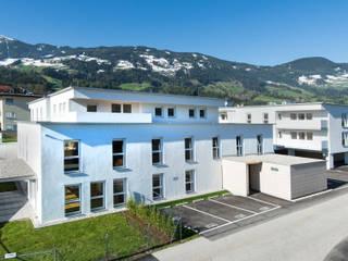 Sonnenweg Minimalistische Häuser von Architekturbüro Gasteiger Minimalistisch
