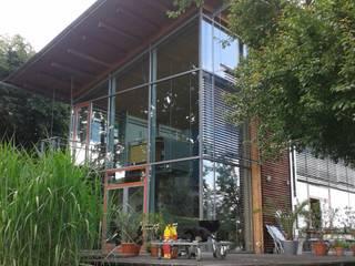 Südseite mit Terrasse 1:  Häuser von Kaufmann Freie Architekten
