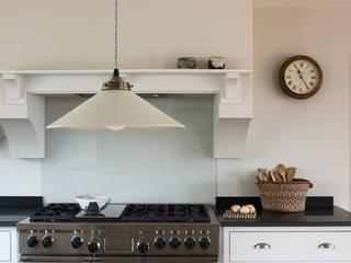 The Nursery Shaker Kitchen by deVOL deVOL Kitchens Country style kitchen