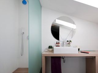 bagno: Bagno in stile in stile Minimalista di studio wok