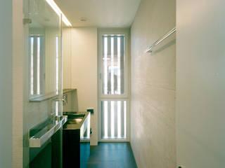 Mehrfamilienhaus Mühlebachstrasse 202 Moderne Badezimmer von sarc Spühler Architektur Modern