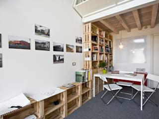 homify Industrial style study/office