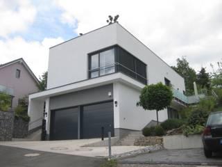 Südansicht: moderne Häuser von ETB BAUPROJEKT Jena GmbH