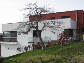 Ostansicht: moderne Häuser von ETB BAUPROJEKT Jena GmbH