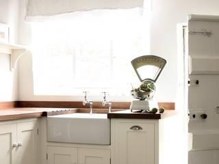 The Wymeswold Shaker Kitchen by deVOL deVOL Kitchens Country style kitchen
