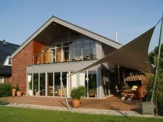 Gartenseite hinten:  Häuser von Architekturbüro Wördemann