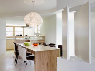 Haus T+S: modern  von urban matters UMnet ,Modern