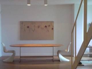 Appartamento L.R. - Castelfidardo AN Ingresso, Corridoio & Scale in stile moderno di Studio di architettura arch. Alberto Catraro Moderno