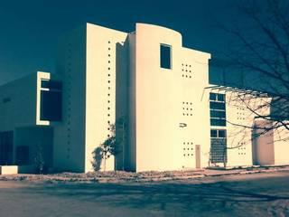 Residencia Country Club: Casas de estilo  por Diseño Corporativo