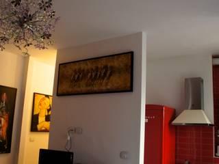I nuovi vani di accesso a ingresso  e cucina: Soggiorno in stile in stile Moderno di Marzia Bettoli  Interior Designer