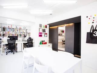 Graphicvirus _그래픽디자인스튜디오: 지오아키텍처의  서재 & 사무실